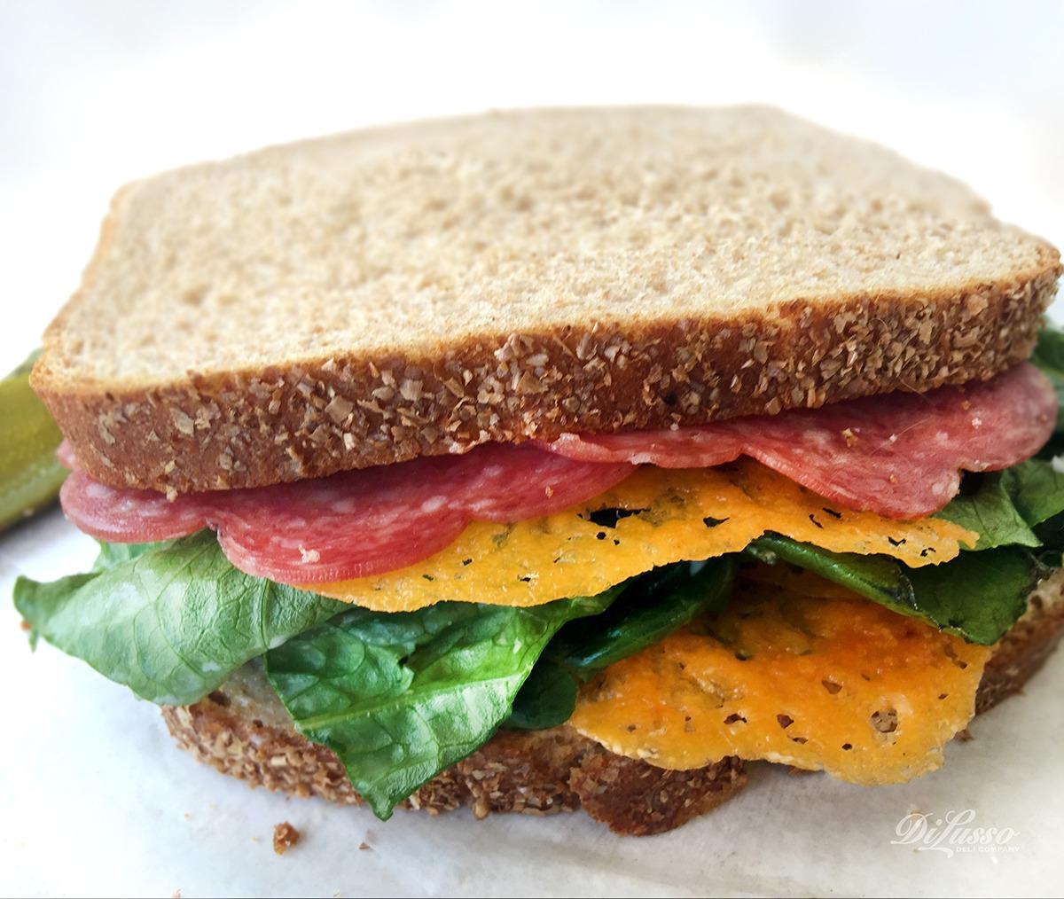 DI LUSSO™ Fan Sandwich: The Niko Frico
