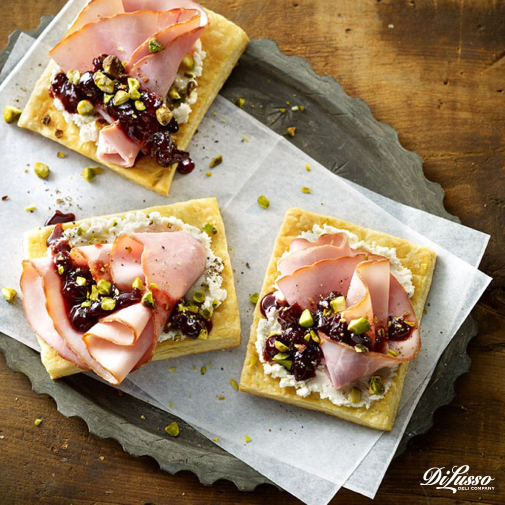 Di Lusso_Nov_'16_Content_Features_Cranberries_Pic5
