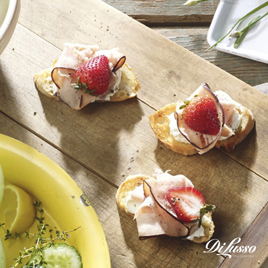 Balsamic_Strawberry_Turkey_Crostini